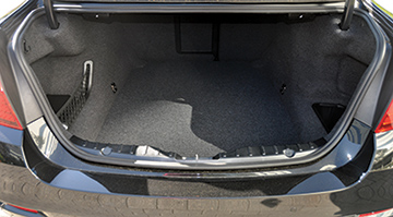 CD 0714 First Drive BMW Trunk Space